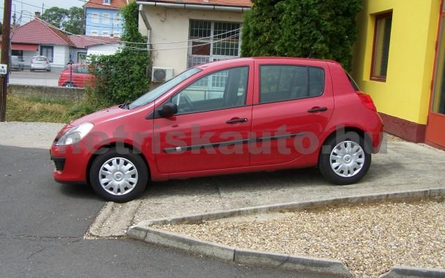 RENAULT Clio 1.2 16V Taboo személygépkocsi - 1149cm3 Benzin 98310 2/12