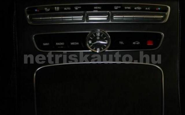MERCEDES-BENZ E 300 személygépkocsi - 1991cm3 Benzin 105841 10/12