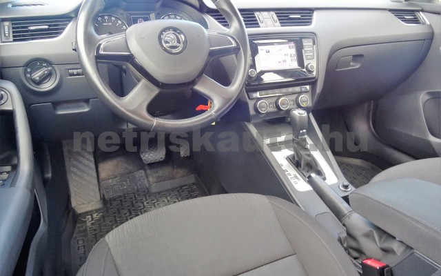 SKODA Octavia 1.6 CR TDI Elegance DSG személygépkocsi - 1598cm3 Diesel 18625 9/12