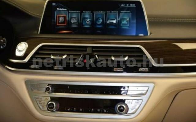 BMW 750 személygépkocsi - 4395cm3 Benzin 43000 5/7