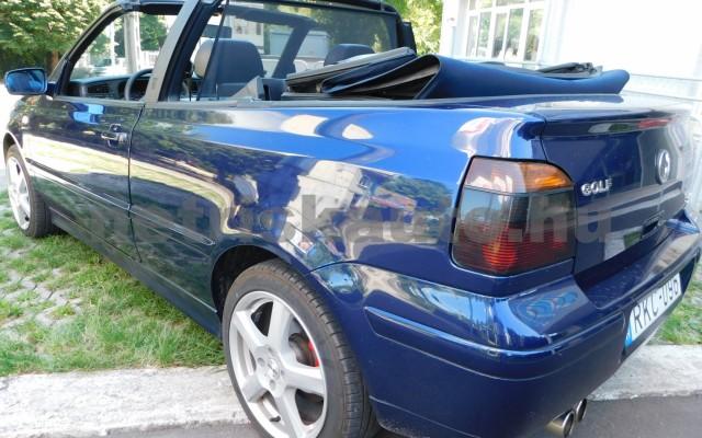 VW Golf 1.6 Highline személygépkocsi - 1595cm3 Benzin 101310 2/12