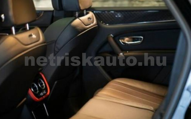 Bentayga személygépkocsi - 3996cm3 Benzin 105012 9/11
