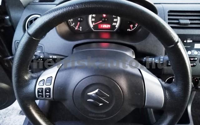 SUZUKI Swift 1.3 GLX CD AC személygépkocsi - 1328cm3 Benzin 27702 7/11