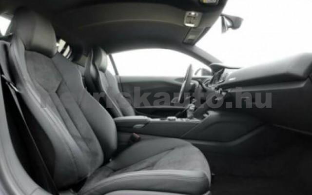 R8 személygépkocsi - 5204cm3 Benzin 104866 3/8