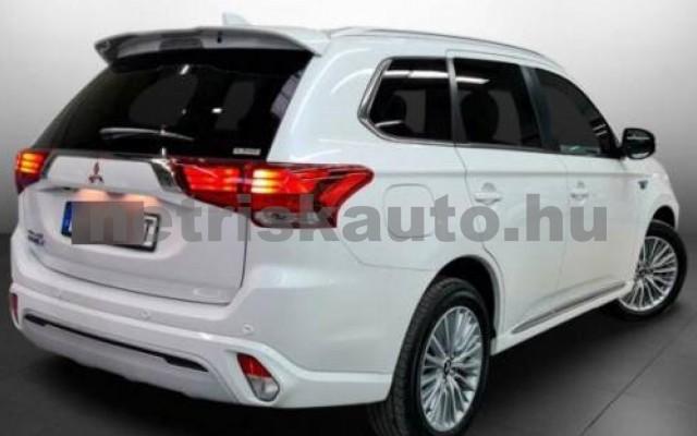 Outlander személygépkocsi - 2360cm3 Hybrid 105710 2/10