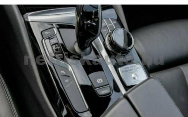 550 személygépkocsi - 4395cm3 Benzin 105128 8/10