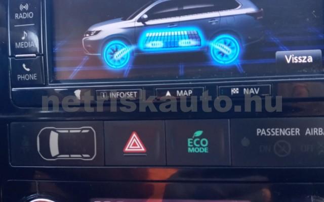 MITSUBISHI Outlander 2.0 PHEV Instyle Navi 4WD CVT EU6 személygépkocsi - 1998cm3 Hybrid 16585 7/11