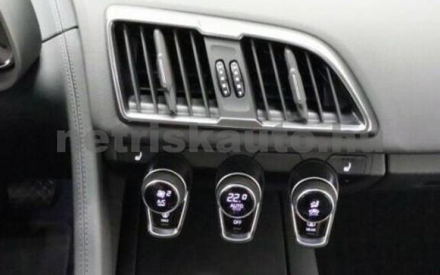 R8 személygépkocsi - 5204cm3 Benzin 104867 9/9