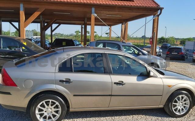 FORD Mondeo 1.8 Ambiente személygépkocsi - 1798cm3 Benzin 44871 10/12