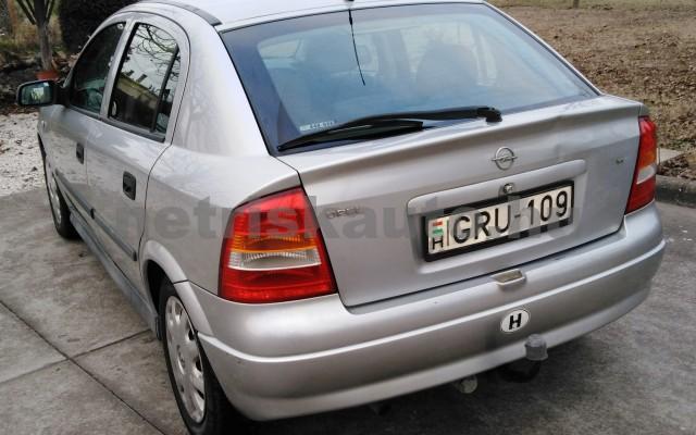 OPEL Astra 1.4 16V Club személygépkocsi - 1388cm3 Benzin 27701 5/12