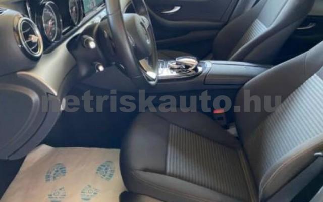 MERCEDES-BENZ E 220 személygépkocsi - 1950cm3 Diesel 105853 12/12