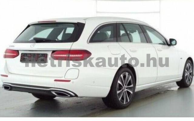 E 300 személygépkocsi - 1991cm3 Hybrid 105826 2/9