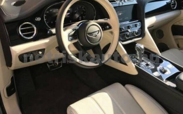Bentayga személygépkocsi - 3996cm3 Benzin 105037 10/12