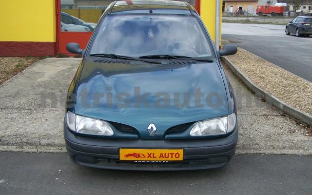 RENAULT Mégane 1.4 RN személygépkocsi - 1390cm3 Benzin 44623 5/10