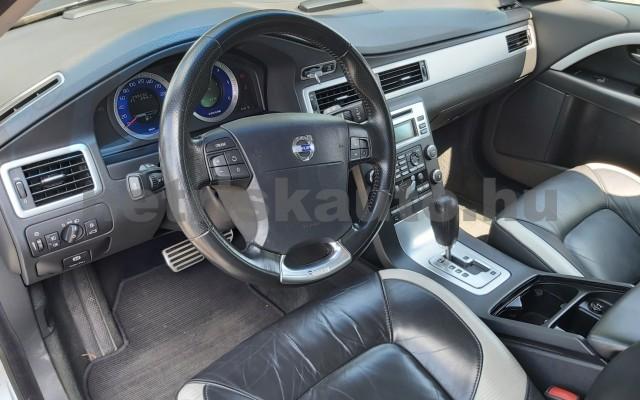VOLVO V70/XC70 2.4 D XC AWD Summum Geartronic személygépkocsi - 2400cm3 Diesel 98311 11/12