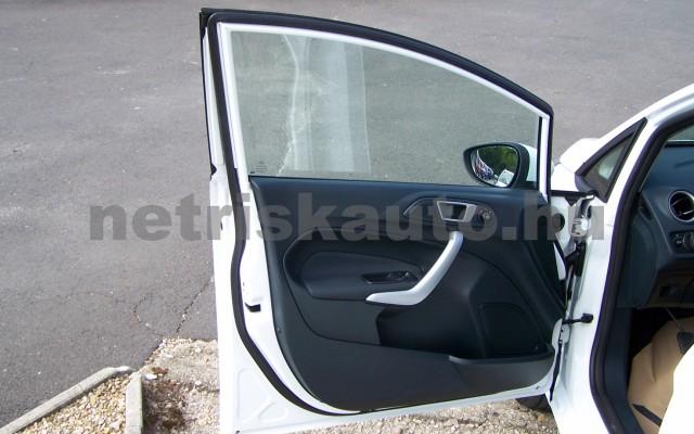 FORD Fiesta 1.25 Ambiente személygépkocsi - 1242cm3 Benzin 104520 12/12