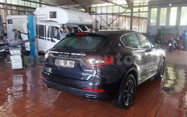 Levante személygépkocsi - 2987cm3 Diesel 105681 2/6