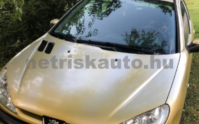 PEUGEOT 206 1.4 HDi Presence személygépkocsi - 1398cm3 Diesel 104548 4/12