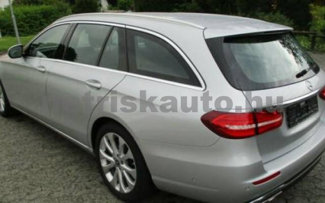 E 400 személygépkocsi - 3498cm3 Benzin 105845 6/12