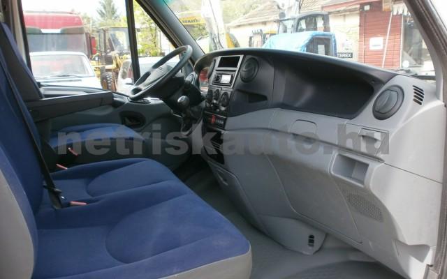 IVECO 35 35 C 18 3450 Aut. tehergépkocsi 3,5t össztömegig - 2998cm3 Diesel 44689 9/9