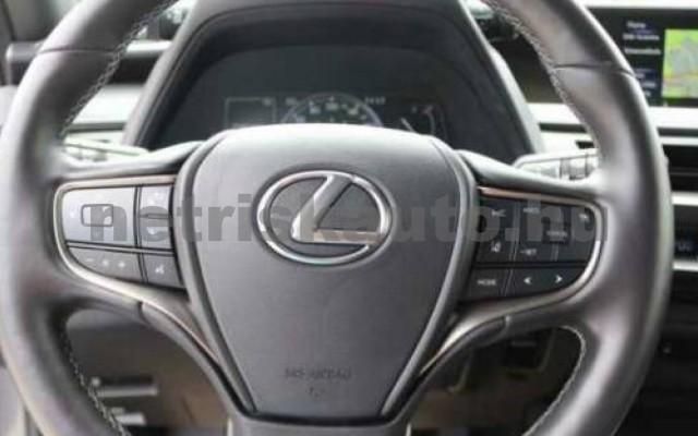 LEXUS UX személygépkocsi - 1998cm3 Benzin 110655 11/11