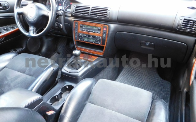 VW Passat 1.9 PD TDI Highline személygépkocsi - 1896cm3 Diesel 106511 8/12