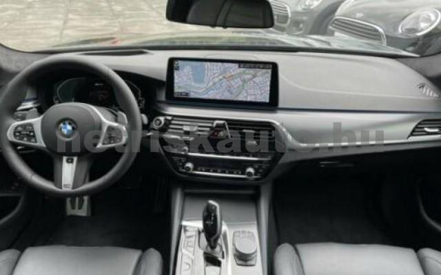 545 személygépkocsi - 2998cm3 Hybrid 105111 2/9
