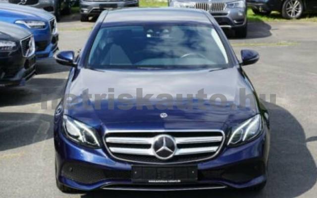 E 250 személygépkocsi - 1991cm3 Benzin 105835 3/11