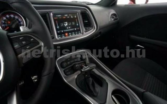 Challenger személygépkocsi - 6400cm3 Benzin 105411 10/12