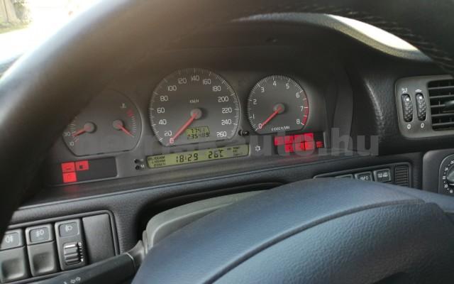 VOLVO C70 2.4 T Coupe személygépkocsi - 2435cm3 Benzin 32782 2/7