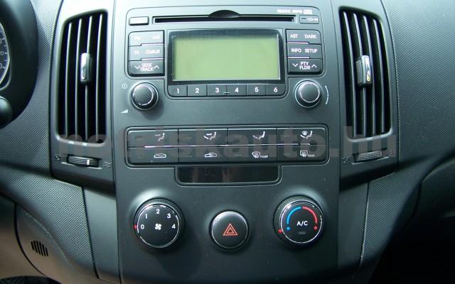 HYUNDAI i30 1.6 CRDi LP Comfort személygépkocsi - 1582cm3 Diesel 93252 9/12
