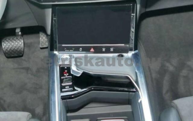 AUDI e-tron személygépkocsi - 2000cm3 Kizárólag elektromos 42570 6/7