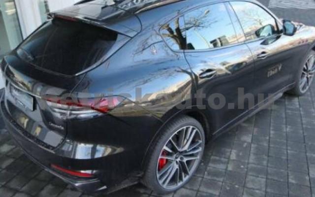 Levante személygépkocsi - 3799cm3 Benzin 105683 5/12