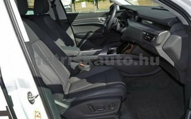 AUDI e-tron személygépkocsi - 2000cm3 Kizárólag elektromos 42582 3/7