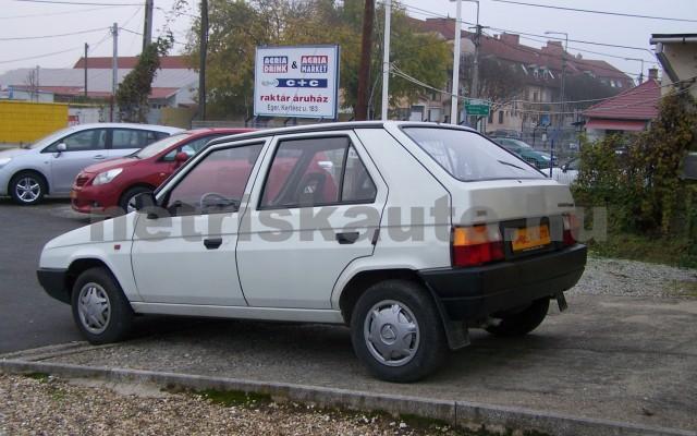 SKODA Favorit 1.3 135 Lux személygépkocsi - 1289cm3 Benzin 93265 4/12