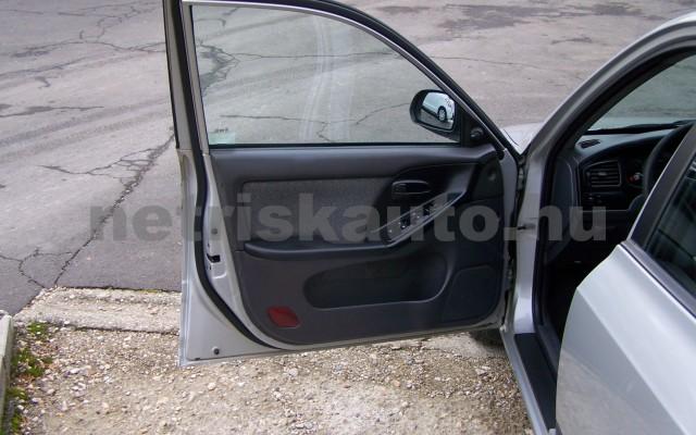 HYUNDAI Elantra 2.0 CRDi GLS Style személygépkocsi - 1991cm3 Diesel 44746 11/12