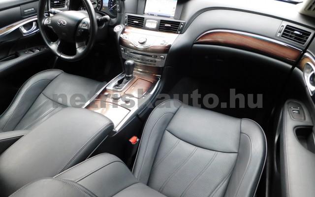 INFINITI Q70 3.5 V6 Hybrid Premium Tech Aut. személygépkocsi - 3498cm3 Hybrid 27439 10/12