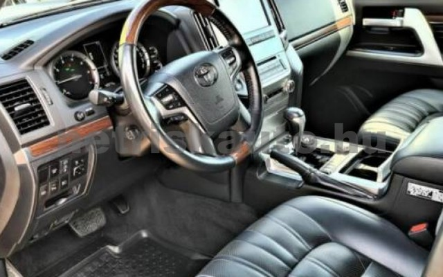 Land Cruiser személygépkocsi - 4608cm3 Benzin 106352 6/9