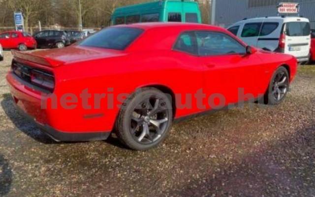 Challenger személygépkocsi - 5654cm3 Benzin 105408 10/12