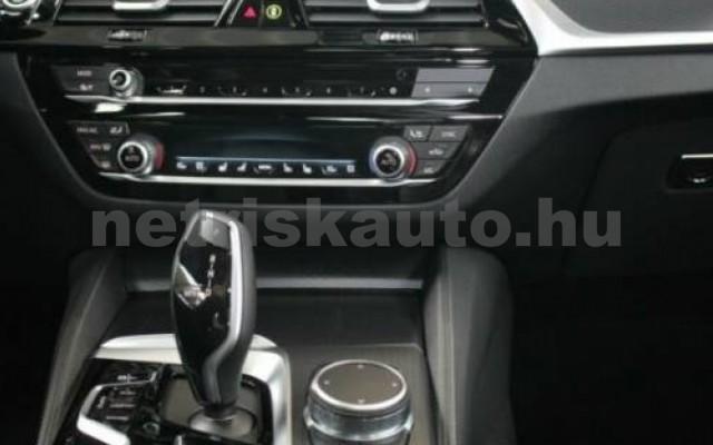 530 személygépkocsi - 2993cm3 Diesel 105138 9/12