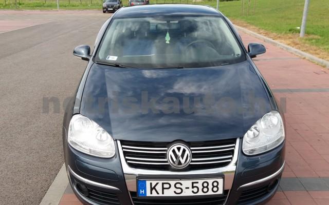 VW Jetta 1.6 Trendline személygépkocsi - 1595cm3 Benzin 49975 2/8