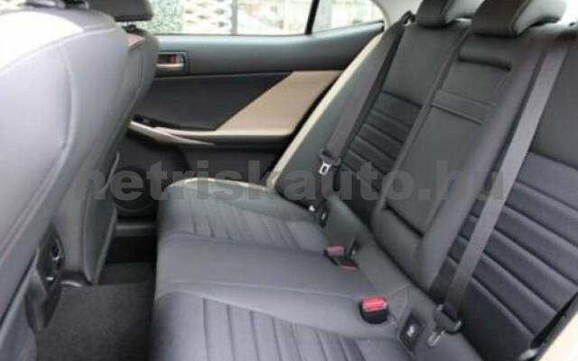 IS 300 személygépkocsi - 2494cm3 Hybrid 105607 7/12