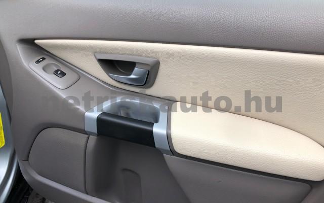 VOLVO XC90 2.4 D [D5] Sport Geartronic (7 sz.) személygépkocsi - 2401cm3 Diesel 104526 8/12