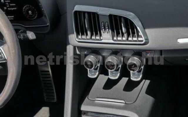 R8 személygépkocsi - 5204cm3 Benzin 104862 3/3