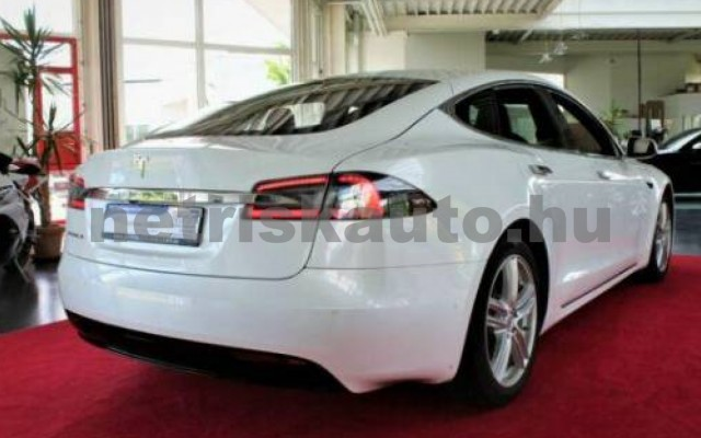 TESLA Model S személygépkocsi - cm3 Kizárólag elektromos 106219 2/11