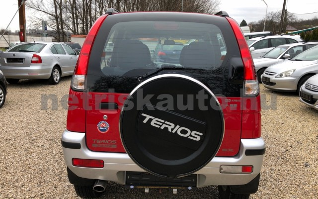 DAIHATSU Terios 1.3 Top személygépkocsi - 1298cm3 Benzin 74367 4/12