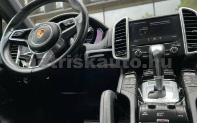 Cayenne személygépkocsi - 4134cm3 Diesel 106289 3/5