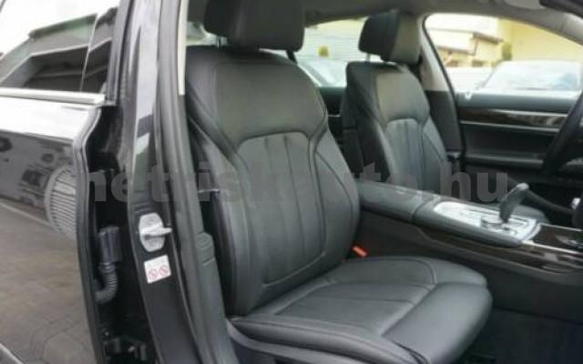 745 személygépkocsi - 2998cm3 Hybrid 105171 11/12