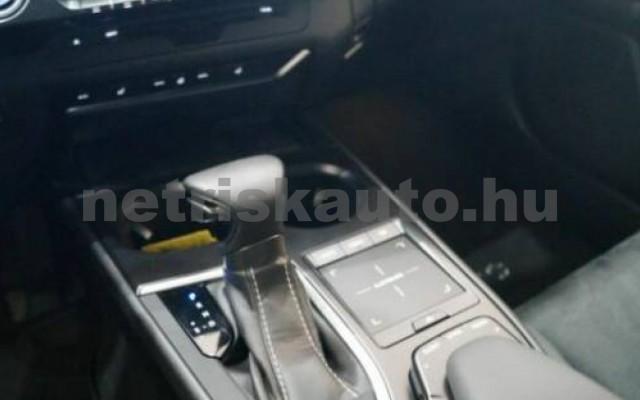 UX személygépkocsi - 1987cm3 Hybrid 105645 11/12