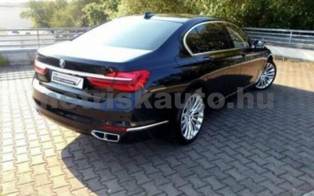 BMW M760 személygépkocsi - 6592cm3 Benzin 55701 2/7